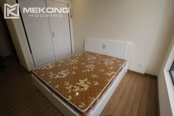 4-bedroom apartment for rent in Vinhomes Nguyen Chi Thanh 12