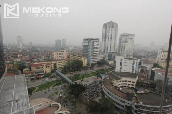 4-bedroom apartment for rent in Vinhomes Nguyen Chi Thanh 14