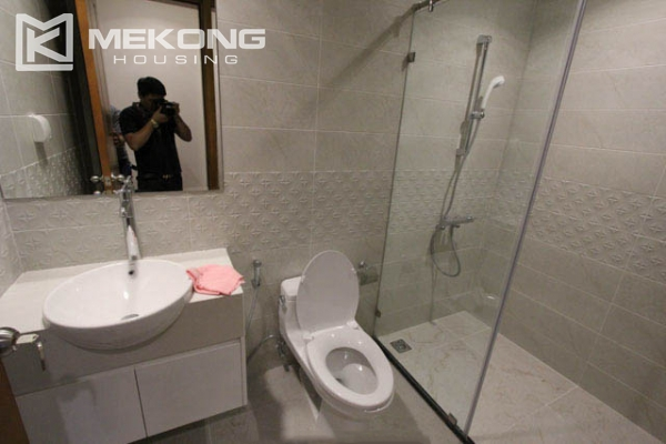 4-bedroom apartment for rent in Vinhomes Nguyen Chi Thanh 16