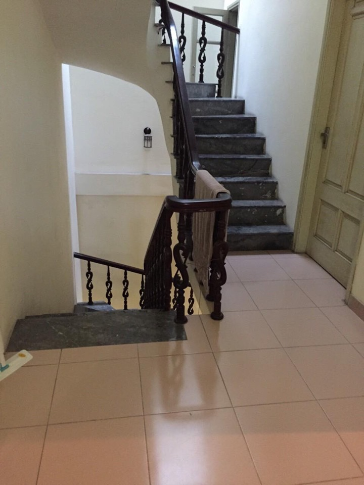 4-floor house for rent, alley 191 Lac Long Quan, Tay Ho, Hanoi 7