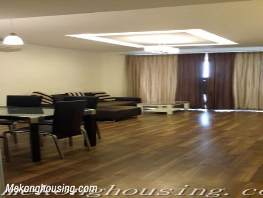 A beautiful apartment with lake view and reasonable price for rent in Ba Dinh district 2