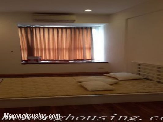 A beautiful apartment with lake view and reasonable price for rent in Ba Dinh district 5