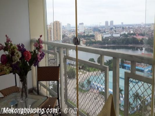 A beautiful apartment with lake view and reasonable price for rent in Ba Dinh district 7