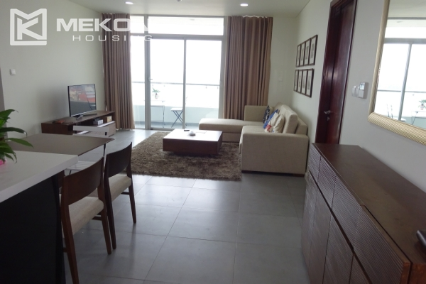 A lake view apartment with 2 bedrooms for rent in Watermark Cau Giay 1
