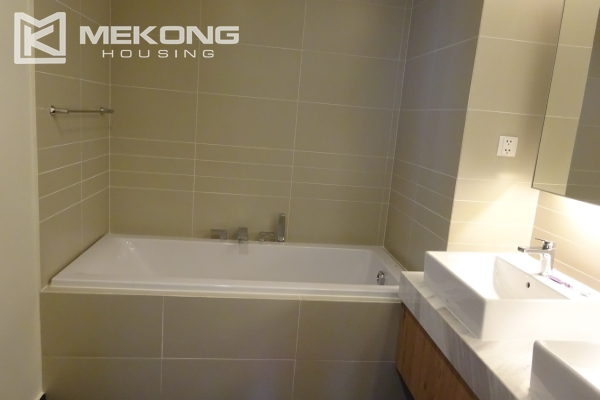 A lake view apartment with 2 bedrooms for rent in Watermark Cau Giay 14