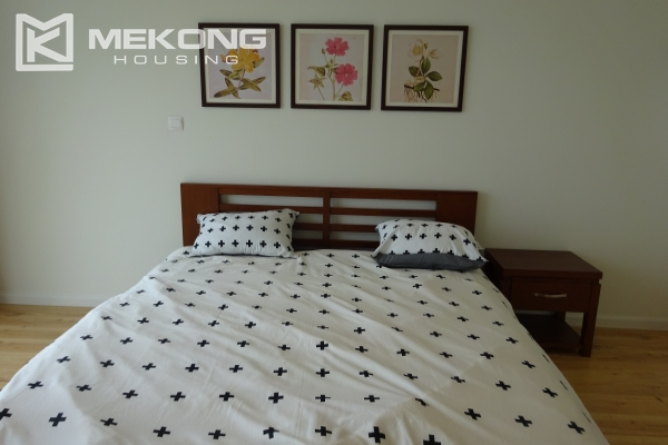 A lake view apartment with 2 bedrooms for rent in Watermark Cau Giay 16
