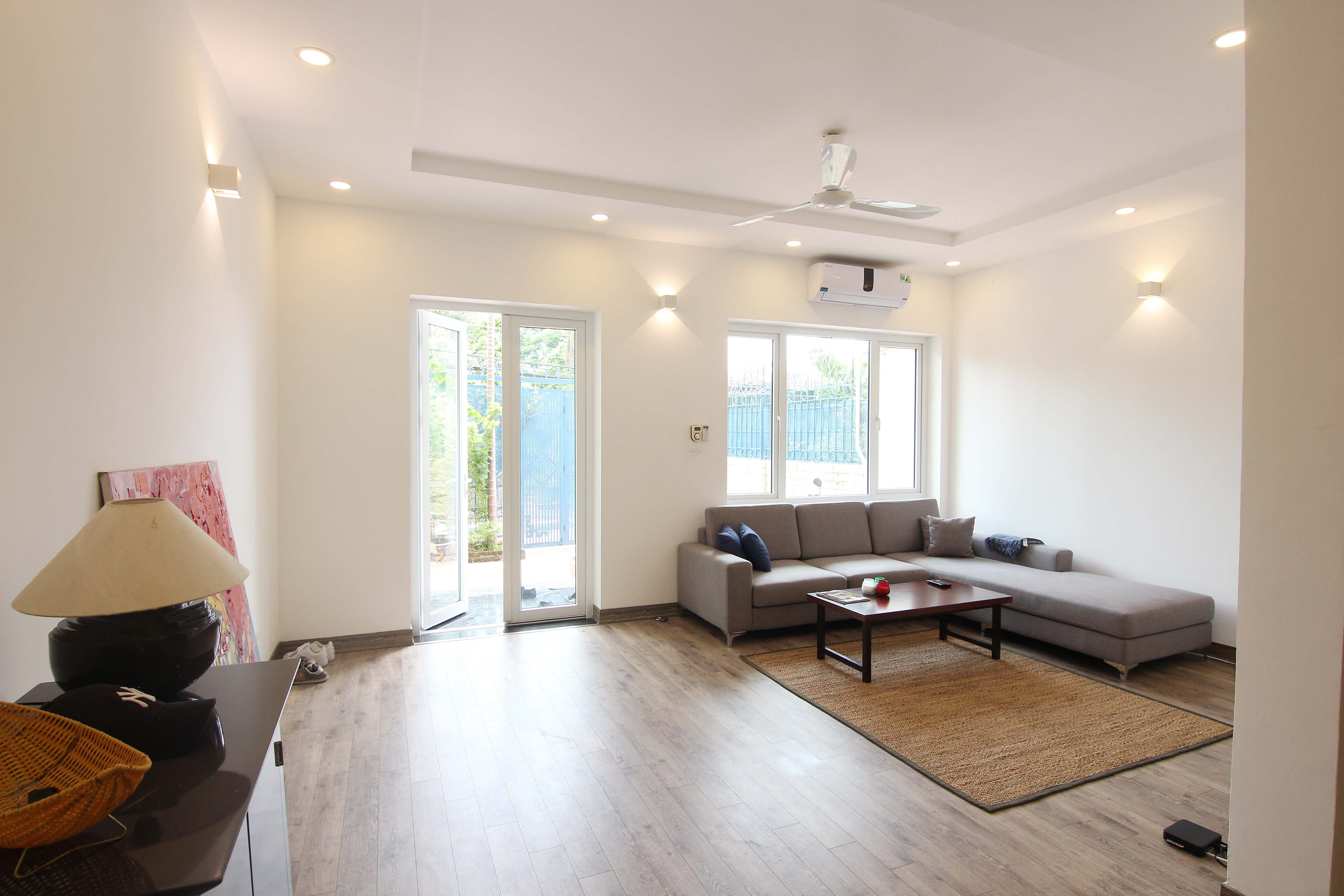 A lovely villa with 5 bedroom for rent on Xom Chua street, Tay Ho district 1