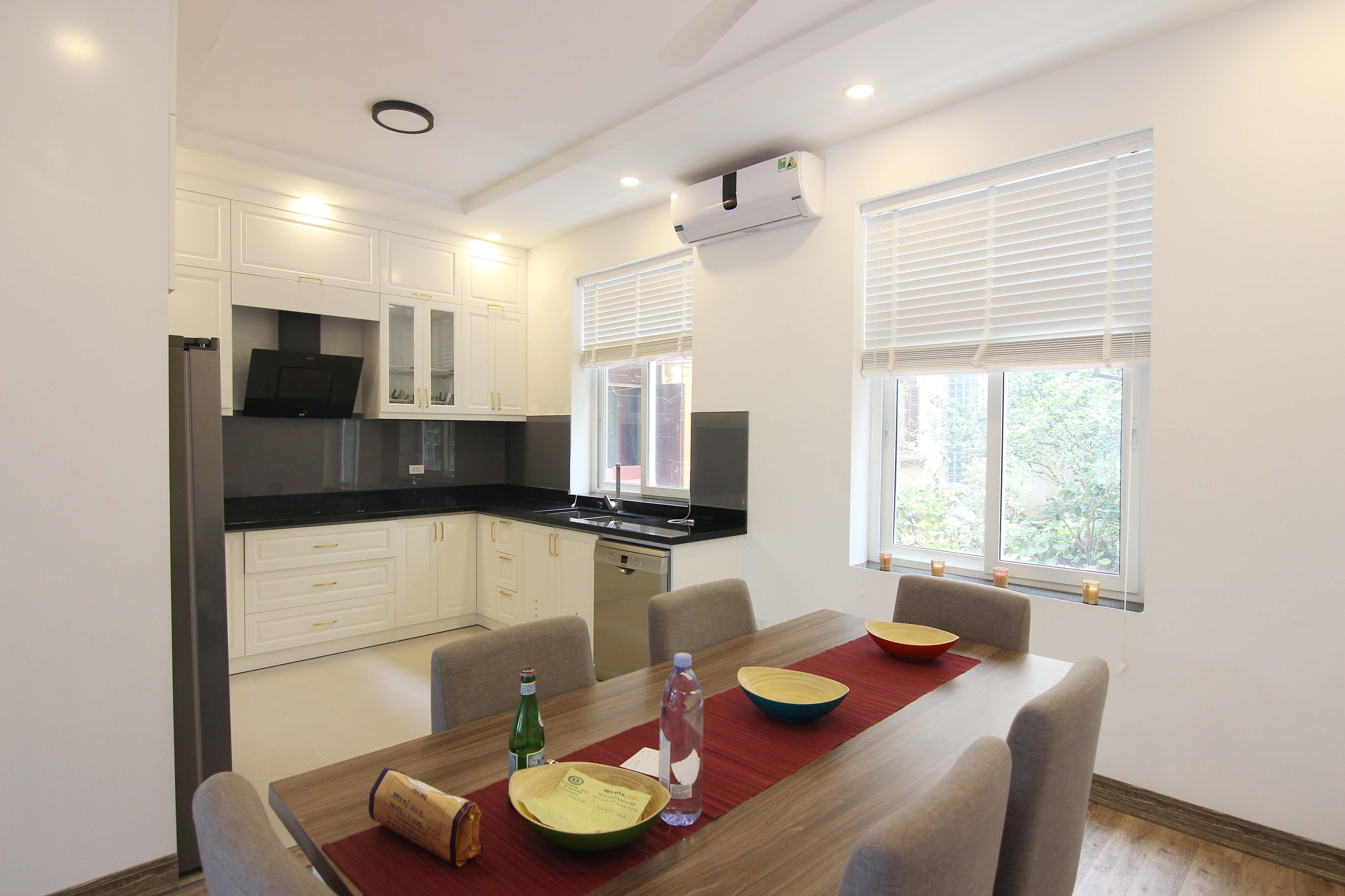 A lovely villa with 5 bedroom for rent on Xom Chua street, Tay Ho district 4