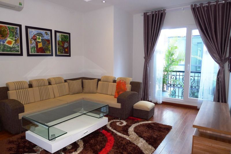 A Nice Serviced Apartment For Rent in Lang Ha Street