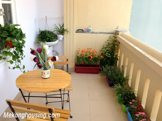 A nice serviced apartment with 1 bedroom for rent in Vong Thi street, Tay Ho district 8