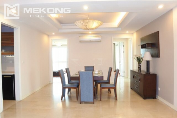 A well designed 182 m2 apartment with 3 bedrooms on high floor in P tower, Ciputra Hanoi 5