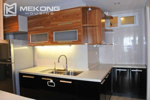 A well designed 182 m2 apartment with 3 bedrooms on high floor in P tower, Ciputra Hanoi 6
