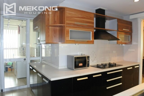 A well designed 182 m2 apartment with 3 bedrooms on high floor in P tower, Ciputra Hanoi 8