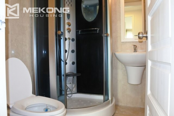 A well designed 182 m2 apartment with 3 bedrooms on high floor in P tower, Ciputra Hanoi 13