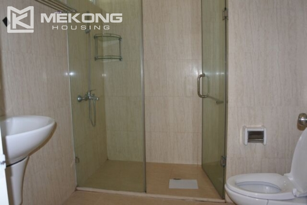 A well designed 182 m2 apartment with 3 bedrooms on high floor in P tower, Ciputra Hanoi 16