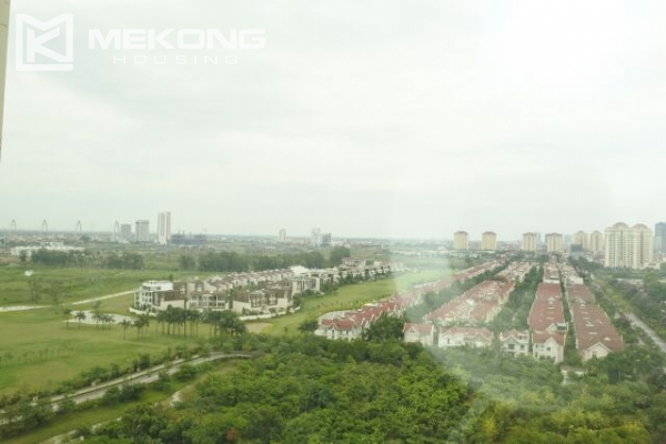 A well designed 182 m2 apartment with 3 bedrooms on high floor in P tower, Ciputra Hanoi 17