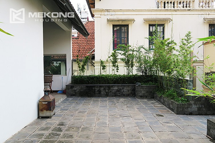 Adorable house for rent with big terrace and nice yard 40