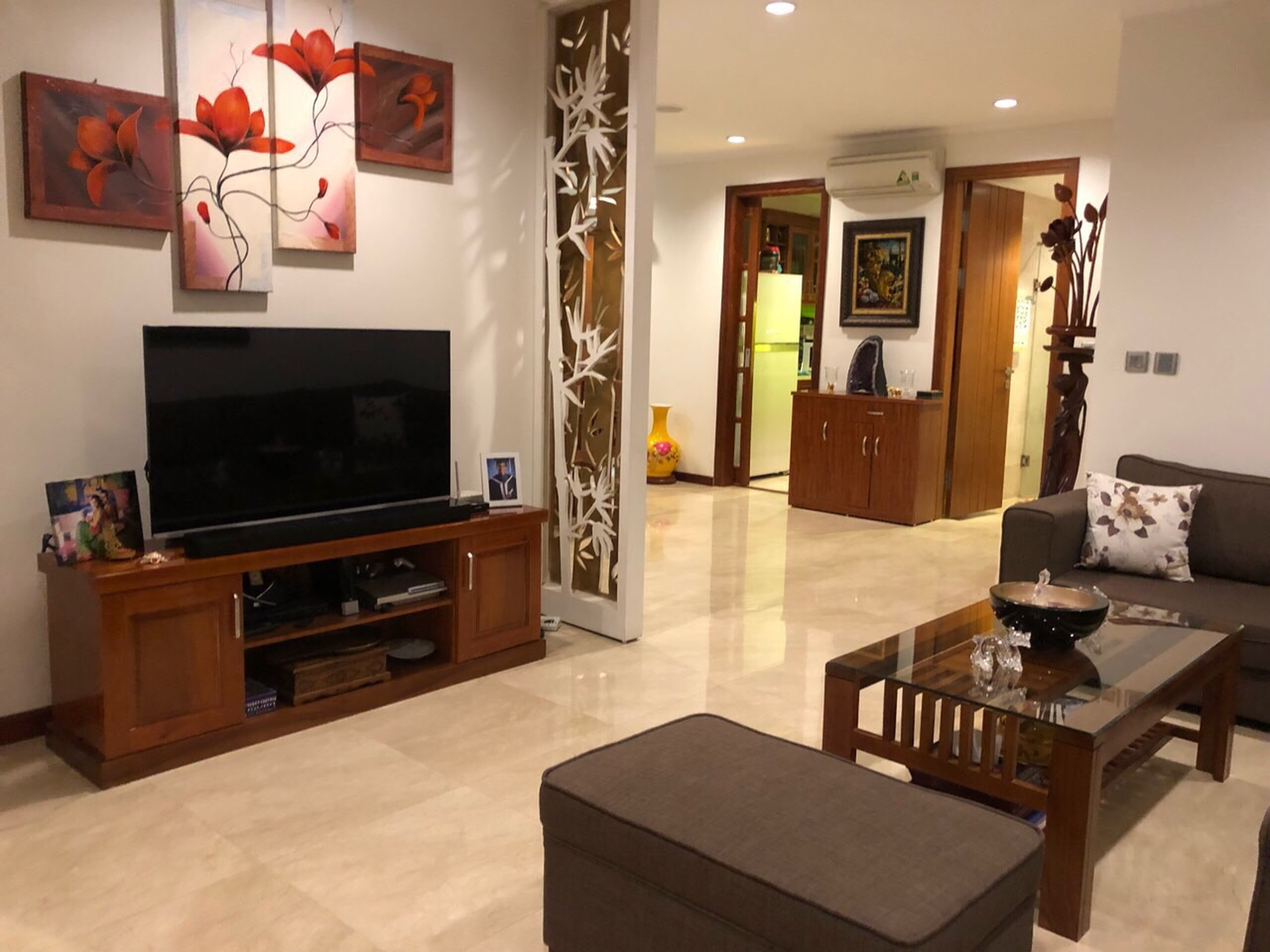Apartment has an area of 154sqm, 3 bedrooms at L1 Ciputra, good rental price.