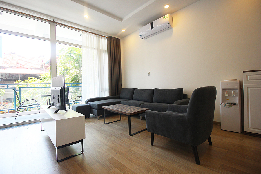 Beautiful 2 bedroom aparment for rent in Dang Thai Mai street, Tay Ho 1