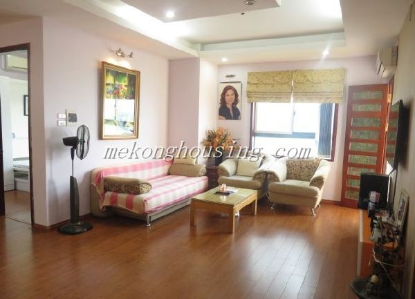 Beautiful 3 bedroom apartment for rent in high floor in Vuon Dao building, alley 689, Lac Long Quan street