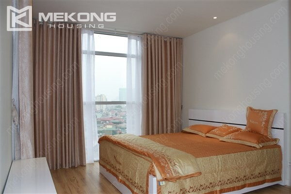 Beautiful apartment with 2 bedrooms on middle level in Watermark Lac Long Quan 12
