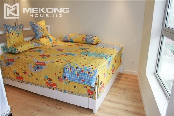 Beautiful apartment with 2 bedrooms on middle level in Watermark Lac Long Quan 9