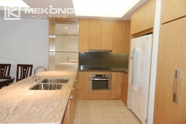 Beautiful apartment with 3 bedrooms for rent in Indochina Plaza Hanoi 5
