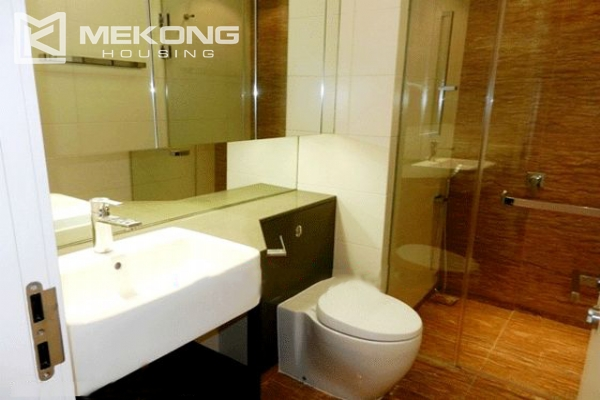 Beautiful apartment with 3 bedrooms for rent in Indochina Plaza Hanoi 7