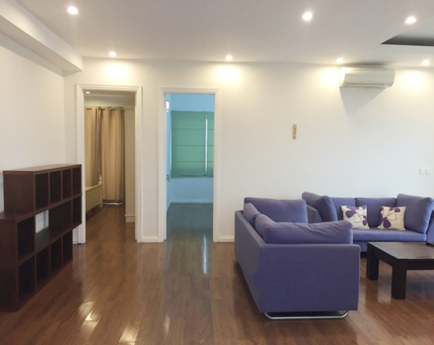 Beautiful apartment with 4 bedrooms and modern furniture in E5 tower, Ciputra Hanoi 4