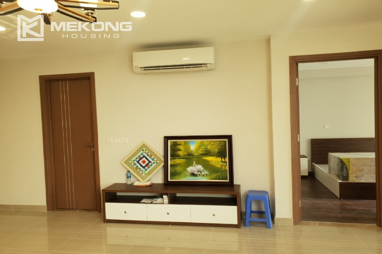 Beautiful apartment with Golf course view and modern furniture in L4 tower, Ciputra Hanoi 6