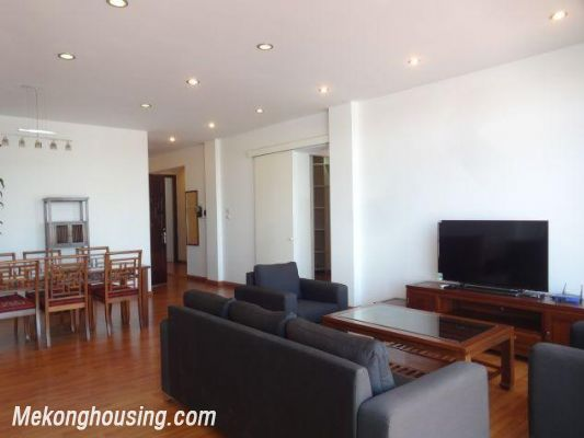 Beautiful apartment with Truc Bach lake view for rent in Tran Vu, Ba Dinh, Hanoi 4