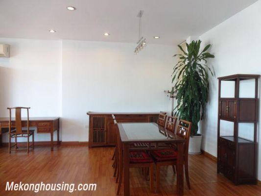 Beautiful apartment with Truc Bach lake view for rent in Tran Vu, Ba Dinh, Hanoi 12