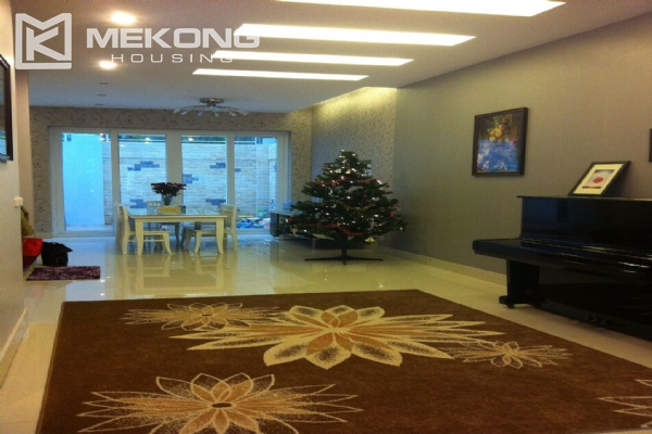 Beautiful house with 4 bedrooms for rent in C4 block, Ciputra Hanoi 7