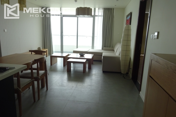 Beautiful lake view apartment for rent in Watermark Lac Long Quan 1