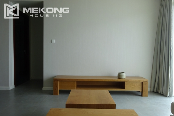 Beautiful lake view apartment for rent in Watermark Lac Long Quan 7