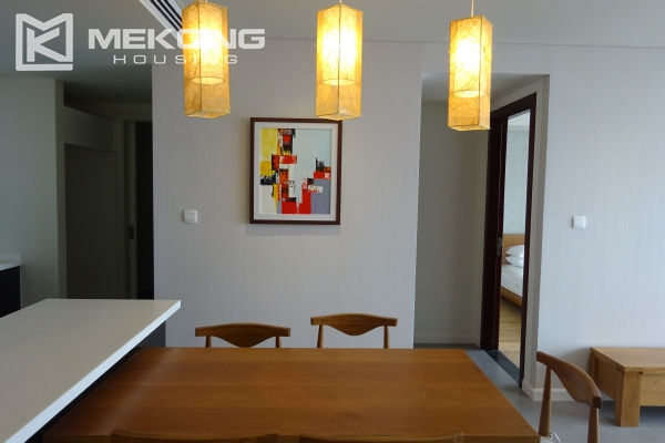 Beautiful lake view apartment for rent in Watermark Lac Long Quan 10