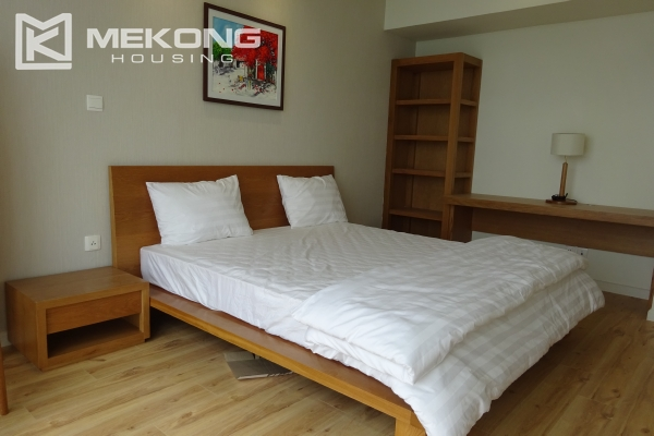 Beautiful lake view apartment for rent in Watermark Lac Long Quan 17