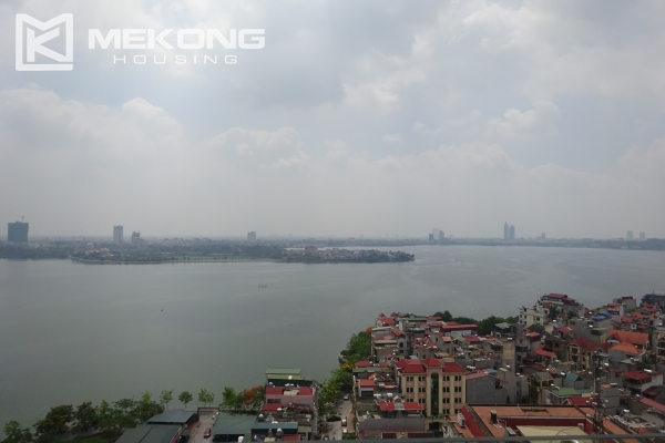 Beautiful lake view apartment for rent in Watermark Lac Long Quan 2