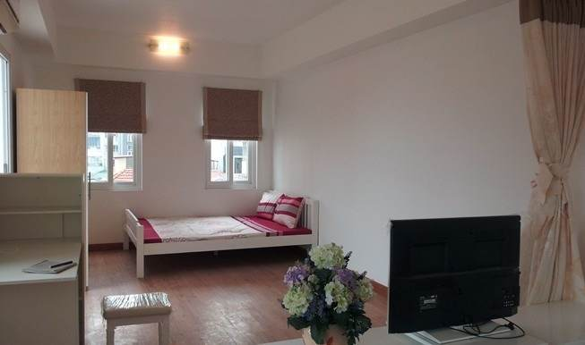 Beautiful serviced apartment for rent in Lang Ha Street, Dong Da district, Hanoi
