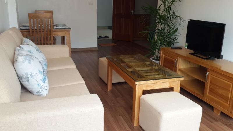 Beautiful serviced apartment with 1 cozy bedroom for rent in Hoang Quoc Viet street