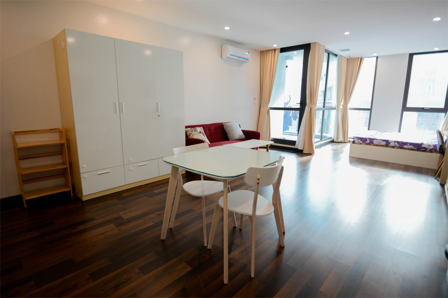 Beautiful studio aparment for rent on Vong Thi street, Tay Ho 2