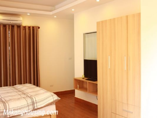 Beautiful studio apartment for rent at good price in Au Co street, Tay Ho, Hanoi 2