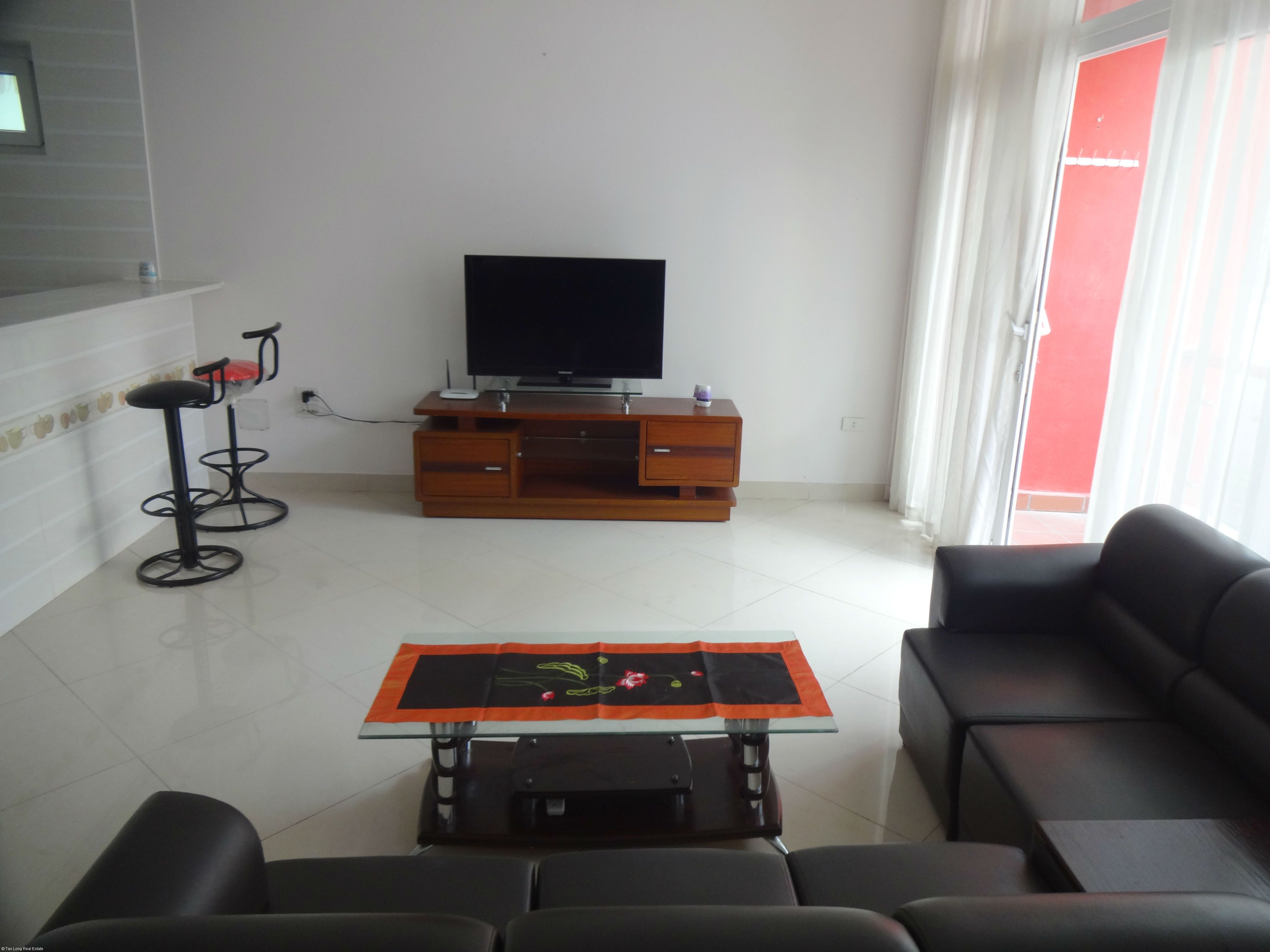 Beautiful studio serviced apartment for rent in Xuan Dieu street, Tay Ho district