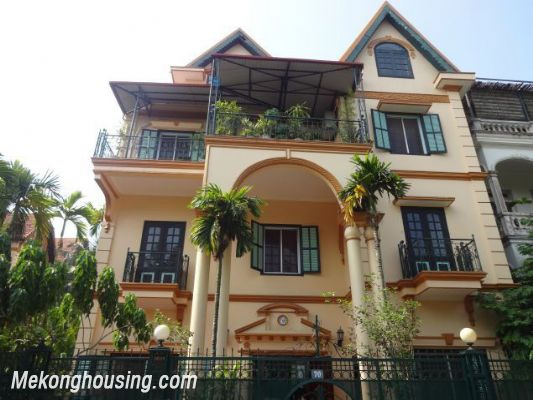 Beautiful villa with 5 bedrooms for rent in xom chua tay for Beautiful villas pics