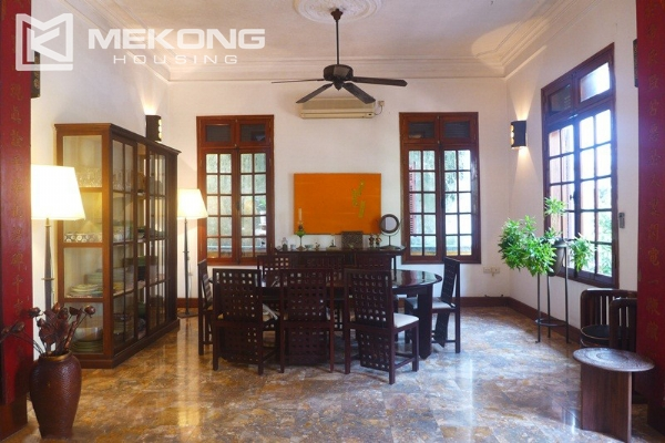 Big villa for rent in Nghi Tam with fully furnished 7