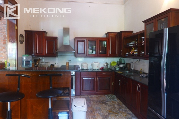 Big villa for rent in Nghi Tam with fully furnished 8