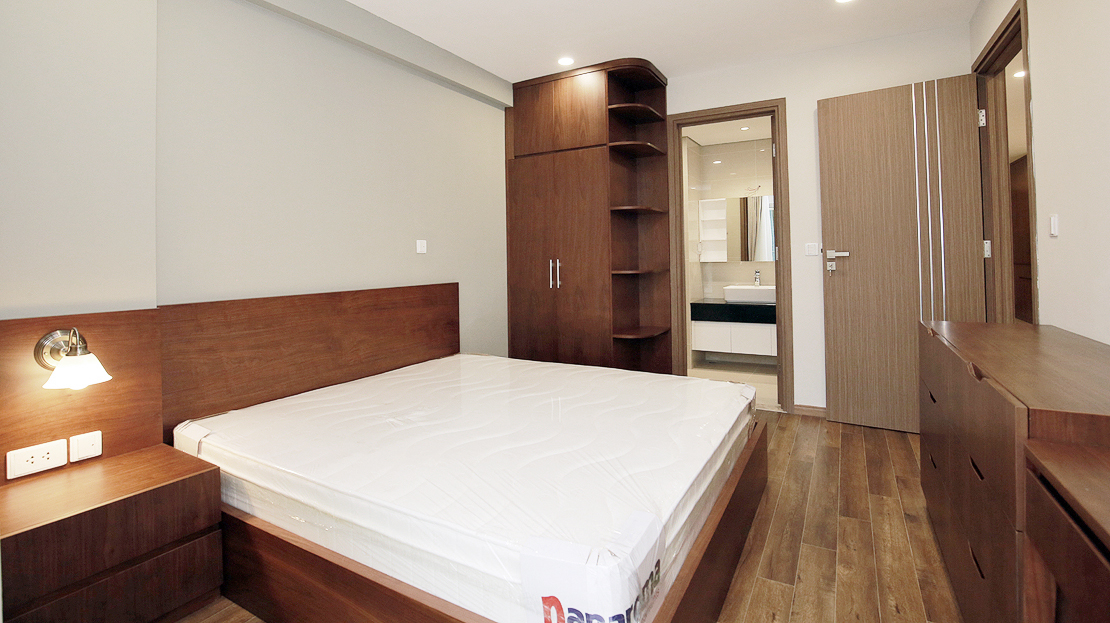 Brand new 3 bedroom apartment with Golf course view for rent in L3 Ciputra The Link 12