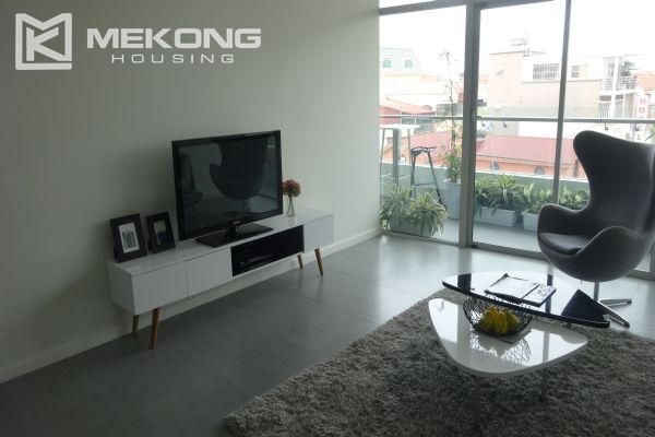 Brand new apartment with 2 bedrooms for rent in Watermark Lac Long Quan 2