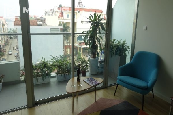 Brand new apartment with 2 bedrooms for rent in Watermark Lac Long Quan 10