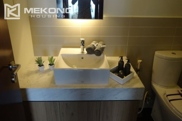 Brand new apartment with 2 bedrooms for rent in Watermark Lac Long Quan 11